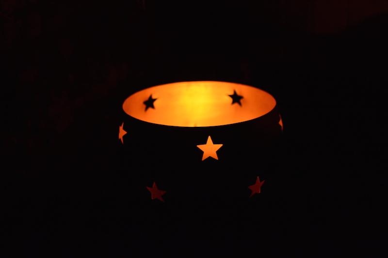 Bain-nordique-Bougies-étoiles-omignon-nuit
