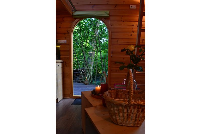 cabane-insolite-salon-maison-omignon