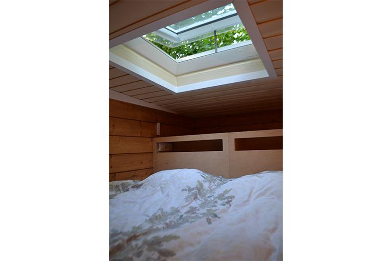 sauna a la maison la maison aux fleurs sauna du chalet aux papillons massage table and sauna. Black Bedroom Furniture Sets. Home Design Ideas