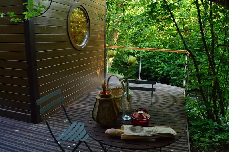 profiter-de-la-terrasse-du-carre-etoiles-pendant-les-vacances-a-l-omignon