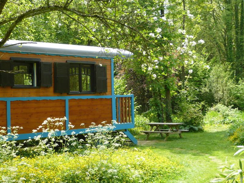 gypsy-caravan-blue-maison-omignon