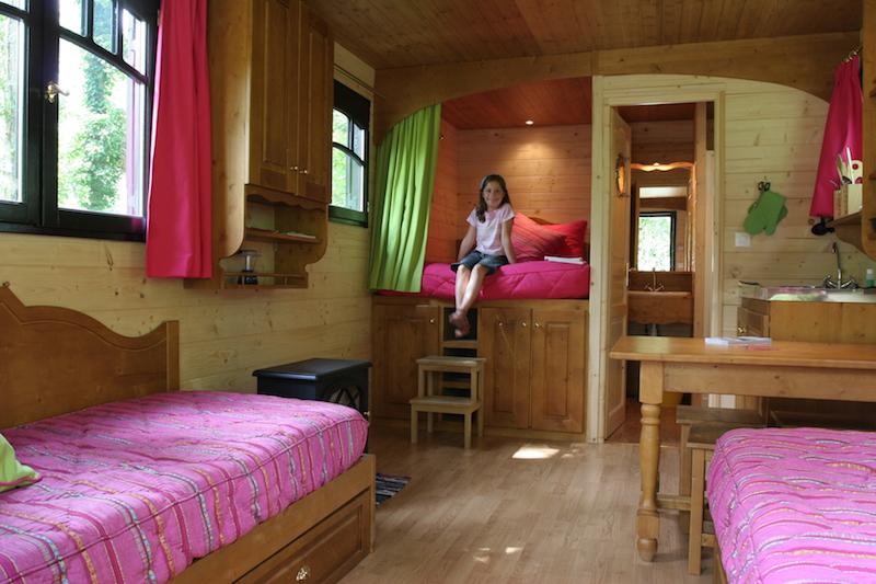gypsy-caravan-rental-holiday-maison-omignon