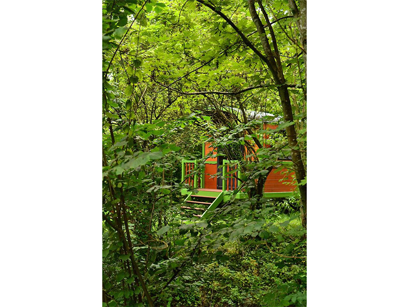 gypsy-caravan-summer-vacantion-rental-in-nature
